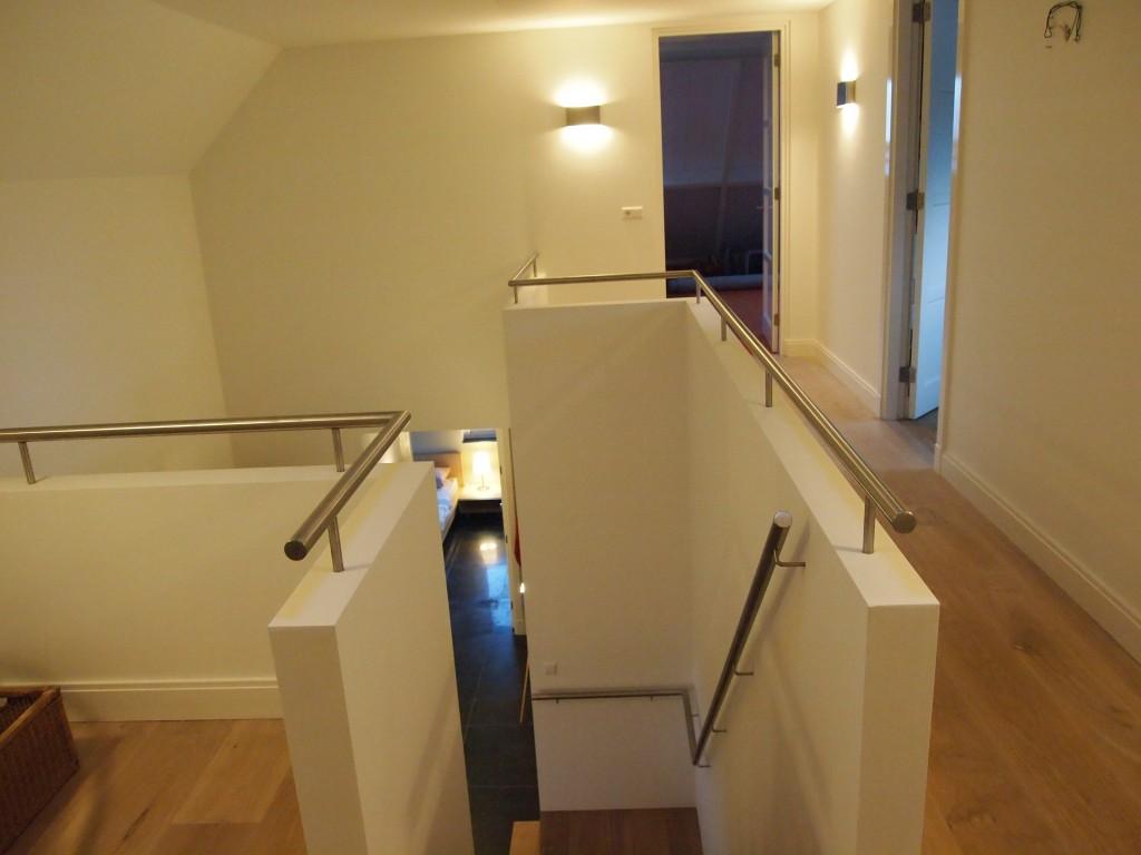 Roestvrijstalen trapleuning en vide oplossing trapleuning op maattrapleuning op maat - Balustrade trap ...