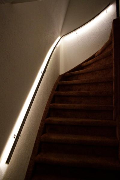 Roestvrijstalen trapleuning met LED-verlichting - Trapleuning op ...